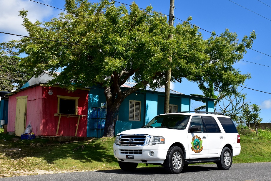 SUV in front of countryside house in Punta Cana - Dominican Republic