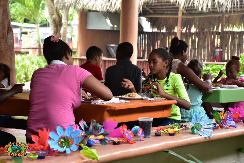 children having lunch on Outback Ranch in Punta Cana