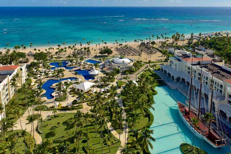 aerial picture from pool and beach view of hotel Iberostar Grand in Punta Cana