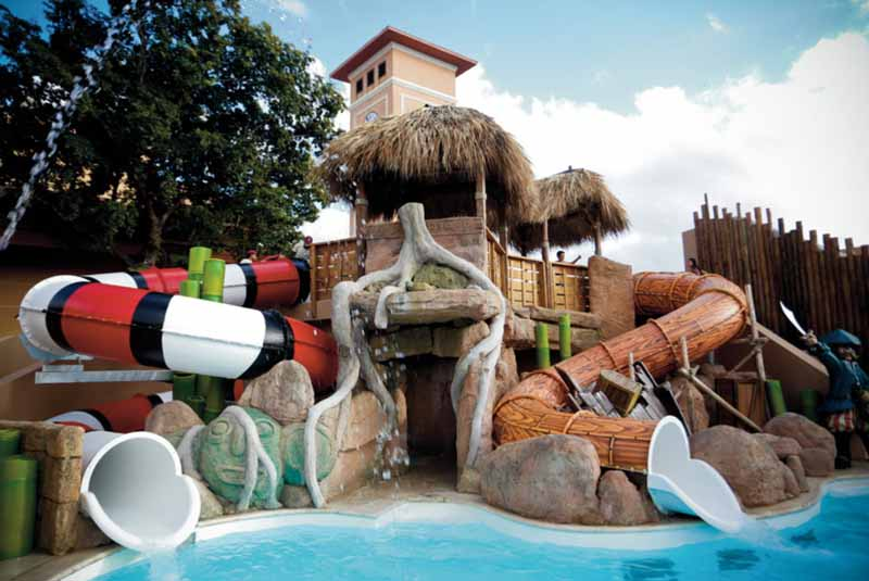 children friendly pool in family hotel Majestic Mirage in Punta Cana