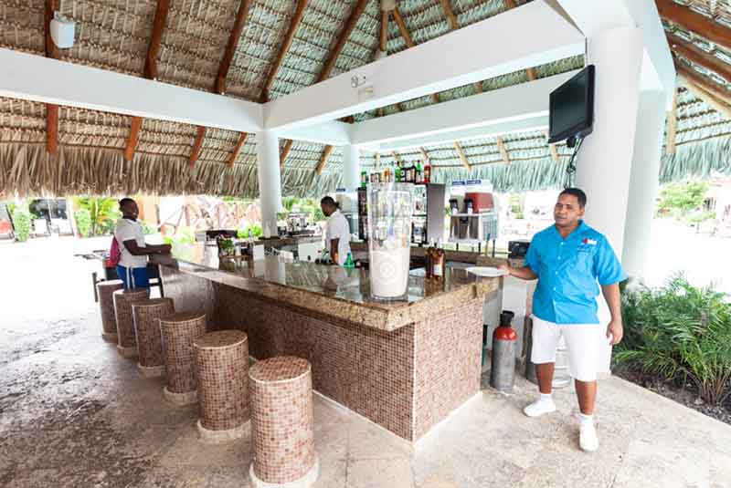 Bar with staff at Now Garden Hotel in Punta Cana - Dominican Republic