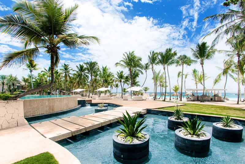 Pool and beach area in Eden Roc hotel Punta Cana